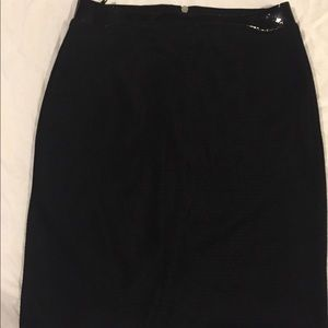 Prada size 44 black pencil skirt